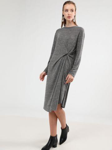 שמלת סריג מלאנז' מידי עם עיטור טוויסט