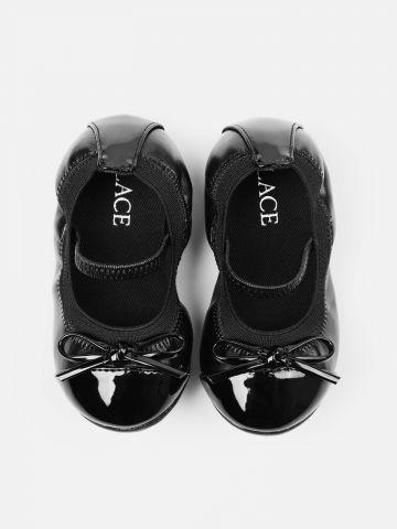 נעלי בובה מבריקות עם עיטור פפיון / בייבי בנות