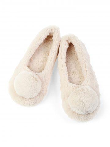 נעלי בית פרוותיות עם פונפונים גדולים L / נשים