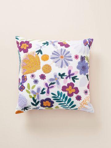 כרית נוי מרובעת עם עיטורי פרחים מחורזים
