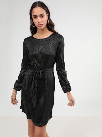 שמלת מיני ריב לורקס עם חגורת קשירה
