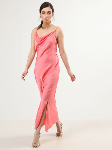 שמלת סאטן מקסי עם שסע