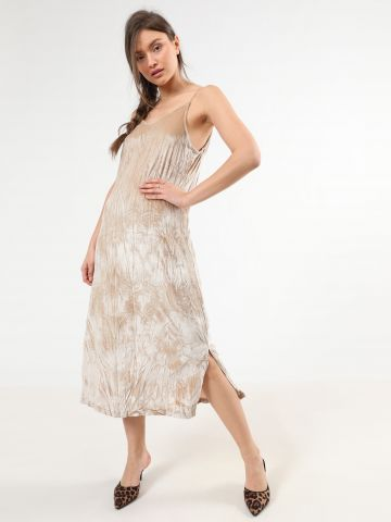 שמלת קטיפה מידי עם שסעים