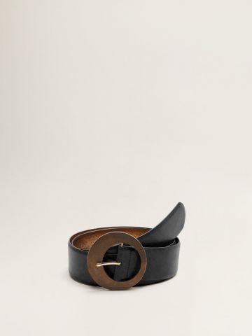 חגורה דמוי עור עם אבזם עץ