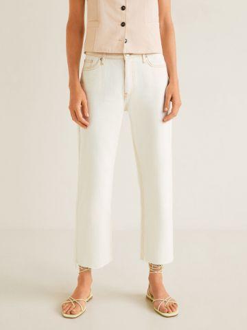 ג'ינס קרופ עם סיומת גזורה ותפרים בולטים