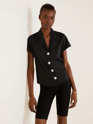 חולצת פשתן עם כפתורים