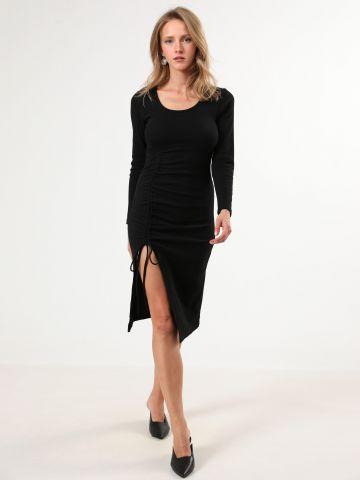 שמלת מידי ריב עם כיווצים