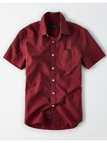 חולצה מכופתרת קצרה עם כיס לוגו / גברים