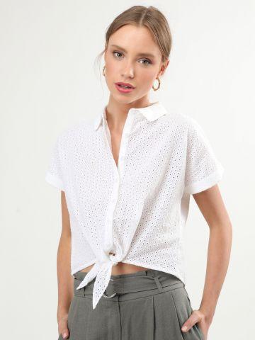 חולצת רקמה מכופתרת עם אלמנט קשירה בחזית