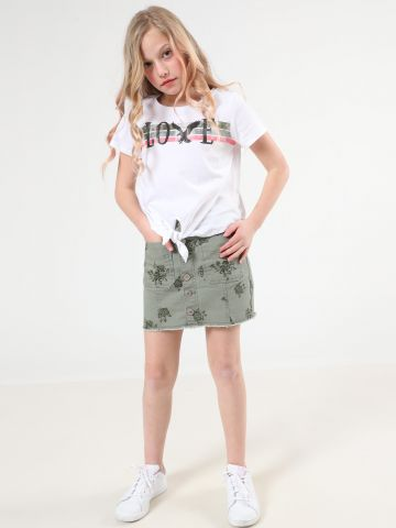 חצאית ג'ינס מיני בהדפס פרחים עם כפתורים