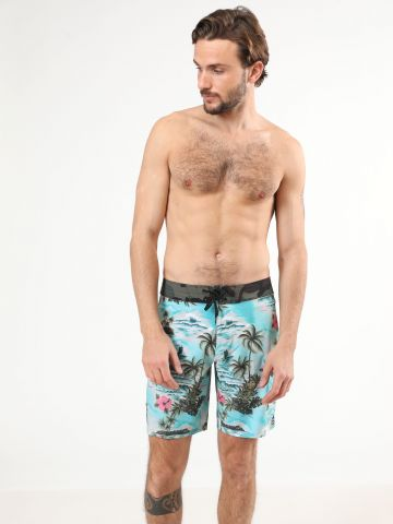 מכנסי בגד ים בהדפס טרופי וקמופלאז'