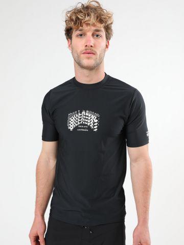 חולצת גלישה עם הדפס לוגו