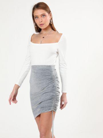 חצאית קטיפה מיני עם כיווצים