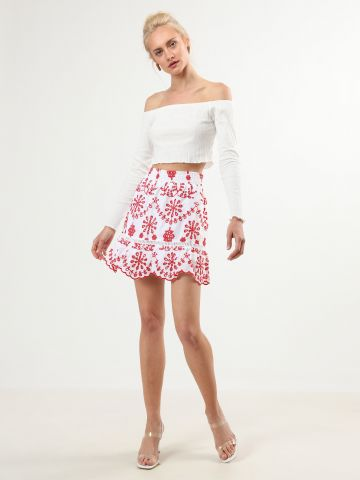 חצאית פפלום עם רקמת פרחים