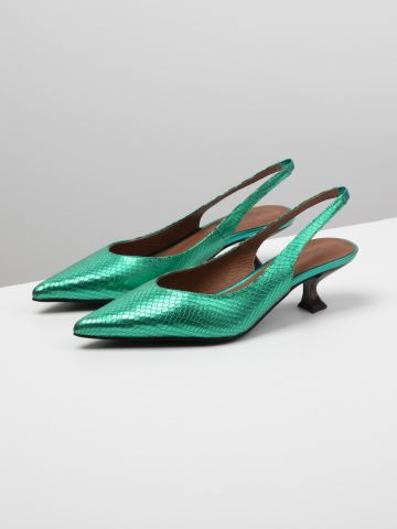 נעלי עקב מעור בגימור מטאלי עם סיומת מחודדת