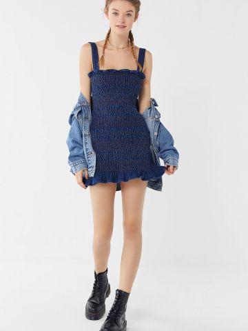 שמלת מיני ג'ינס בטקסטורת כיווצים UO