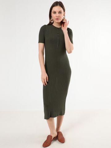 שמלת ריב מקסי עם כפתורים
