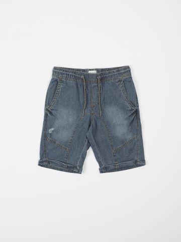 מכנסי דמוי ג'ינס קצרים עם ווש / בנים