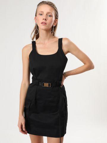 שמלת מיני קנבס עם חגורה