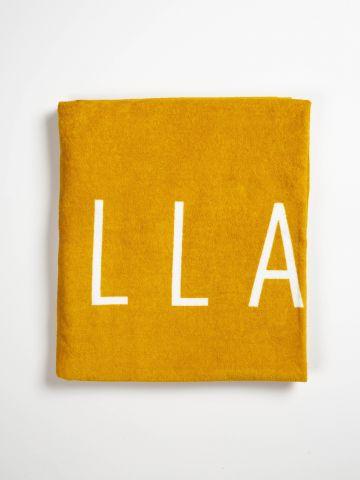 מגבת חוף עם הדפס לוגו