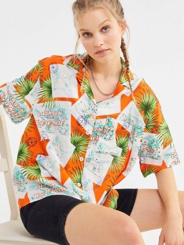 חולצה מכופתרת אוברסייז בסגנון הוואי UO