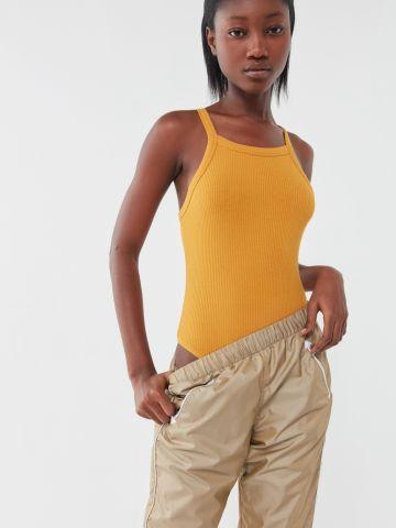 בגד גוף רייסר בטקסטורת ריב Out From Under