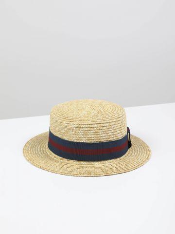 כובע קש בשילוב סרט