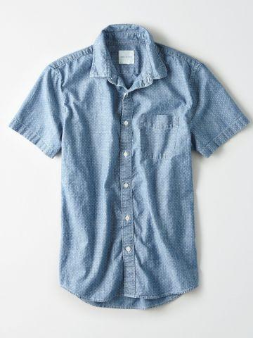 חולצה מכופתרת בהדפס נקודות עם כיס / גברים