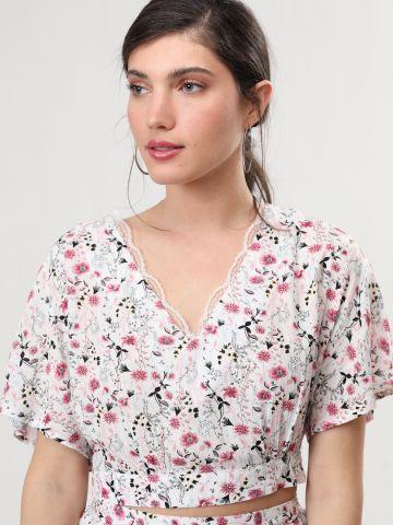 חולצת קרופ בהדפס פרחים עם עיטורי תחרה