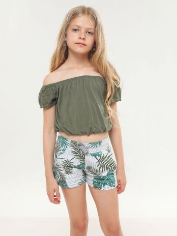 מכנסיים קצרים בהדפס עלים