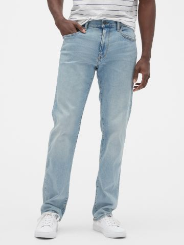 ג'ינס ישר בשטיפה בהירה