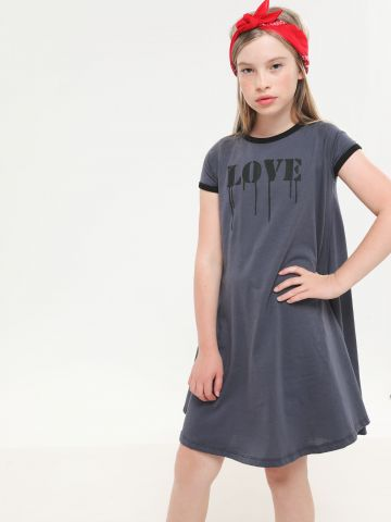 שמלת טי שירט עם הדפס Love