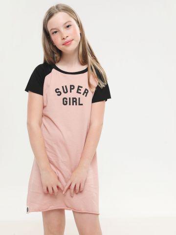 שמלת טי שירט בייסבול עם הדפס Super girl