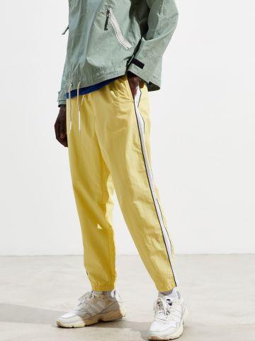 מכנסי טרנינג עם סטריפים UO