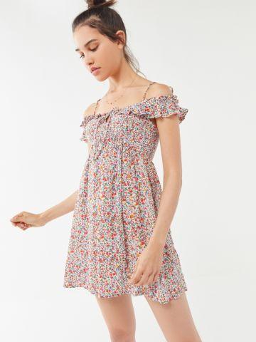 שמלת מיני קולד שולדרס בהדפס פרחים UO