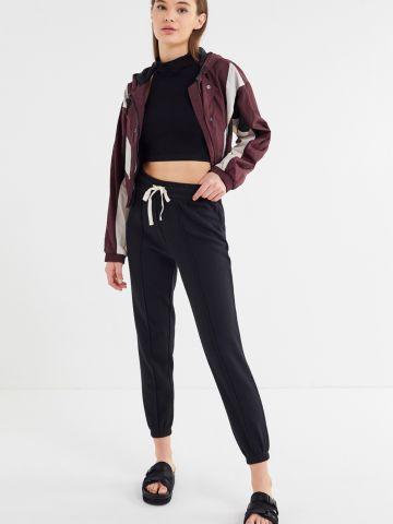 מכנסי טרנינג עם תיפורים בולטים Out From Under