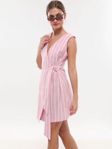 שמלת מיני מעטפת בהדפס פסים