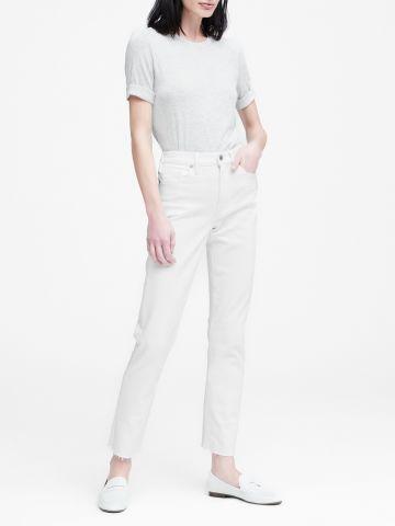 ג'ינס ארוך בגזרה ישרה עם סיומת פרומה Mid-Rise Straight / נשים