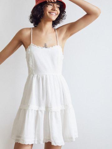 שמלת קומות מיני עם עיטורי רקמה UO