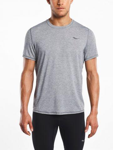 חולצת ריצה עם לוגו