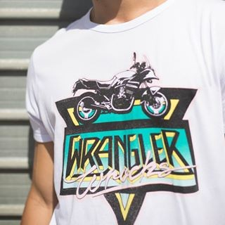 THE MOST WANTED: THE WRANGLER T-SHIRT.  TAP TO SHOP! 🔎🔎🔎 #x042510005