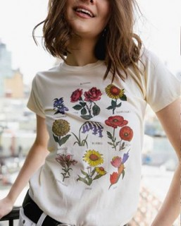 THE MOST WANTED: 🌸🌼🌷🌻🌺 T SHIRT by URBAN OUTFITTERS! SHOP BEFORE IT'S GONE!  #botanical #prints #flowers #x110600007